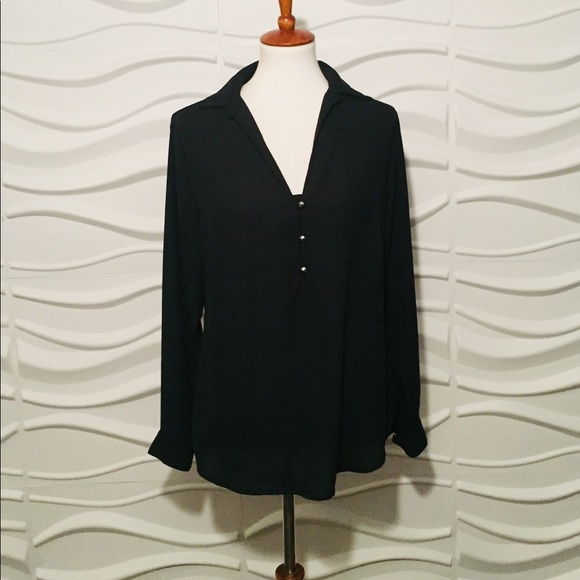 New York & Company Tops - 🤩SALE PRICE🤩 York and Company M Black Blouse
